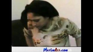 سكس صعيدي بلدي فلاحة مصرية مربربة مع زوجها الفيديو الإباحية العربية